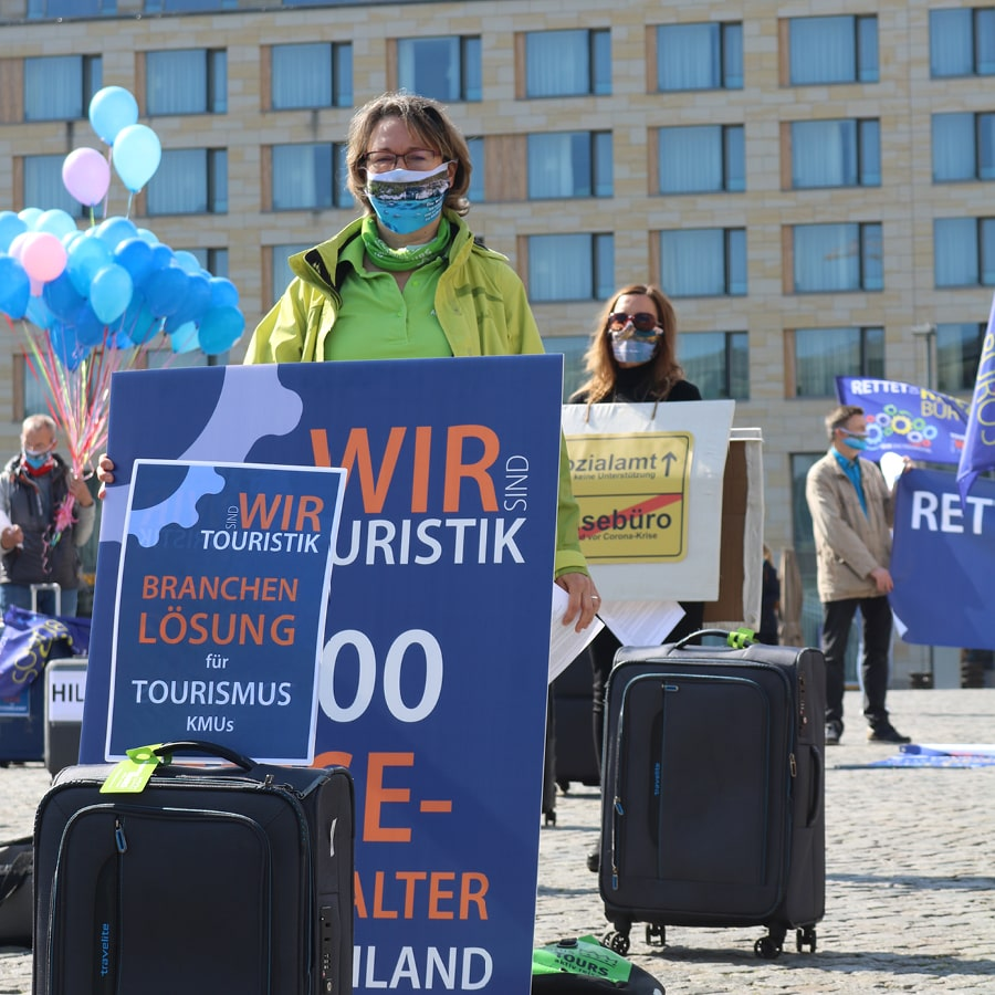 13.05.2020   AugustusTours demonstriert für Rettung der Reisebranche