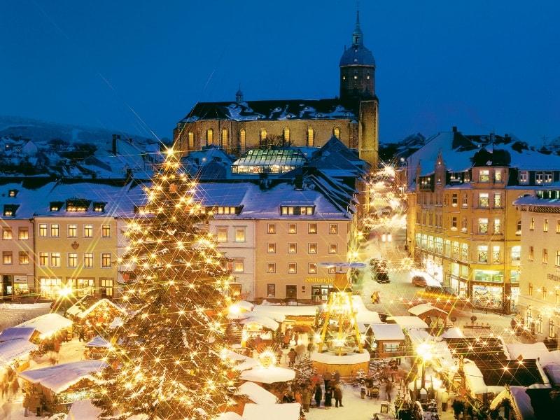 Weihnachtsmarkt Oberammergau.Group Tours To Germany Augustustours