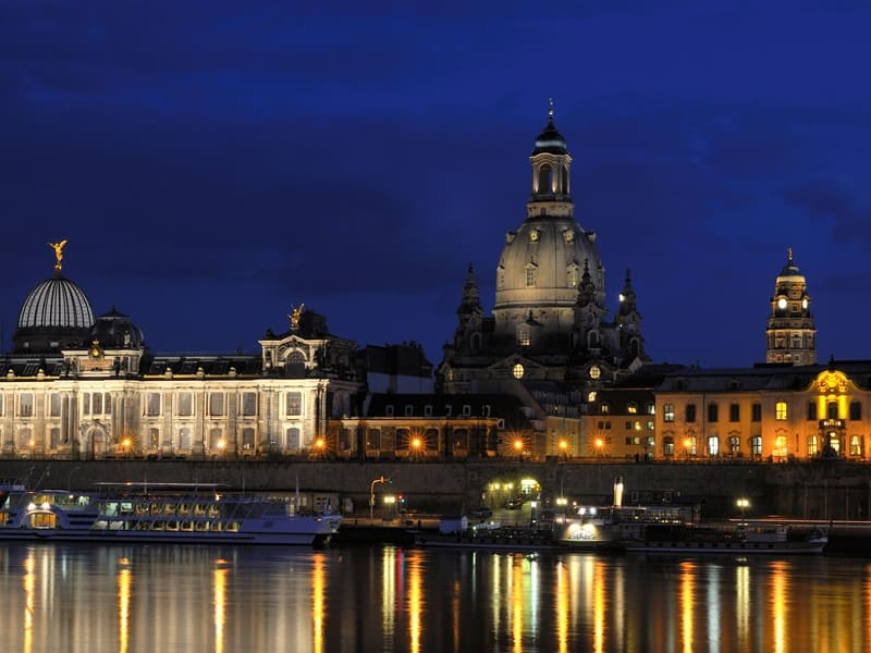 Discover the unique atmosphere of Dresden during a tailor-made group tour.