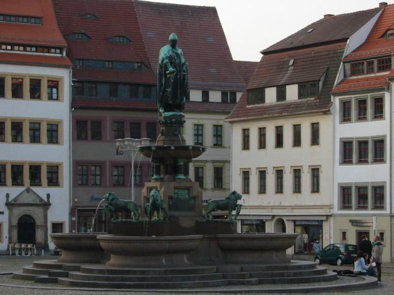 Fountain at the market sqare of Freiberg © AugustusTours