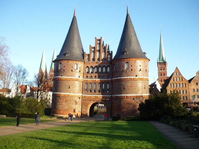 Holstentor gate in Lübeck © Die Landpartie